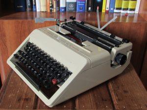 Máquina de escribir Underwood modelo 1986.