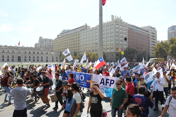 ANDIME se moviliza en masiva marcha por el fin de las AFP a lo largo de todo el país