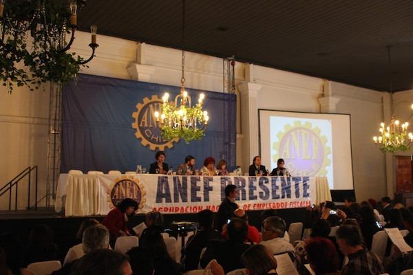 Asamblea extraordinaria de ANEF define la permanencia en la CUT