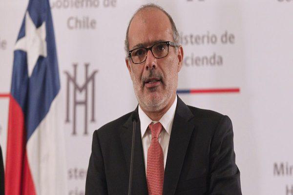 Ministro de Hacienda Rodrigo Valdés encabeza renuncia del equipo económico del gobierno