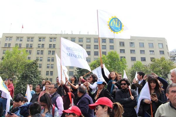 Análisis: Estudio de Fundación Sol desmitifica supuesta condición de privilegio laboral y salarial de los trabajadores públicos