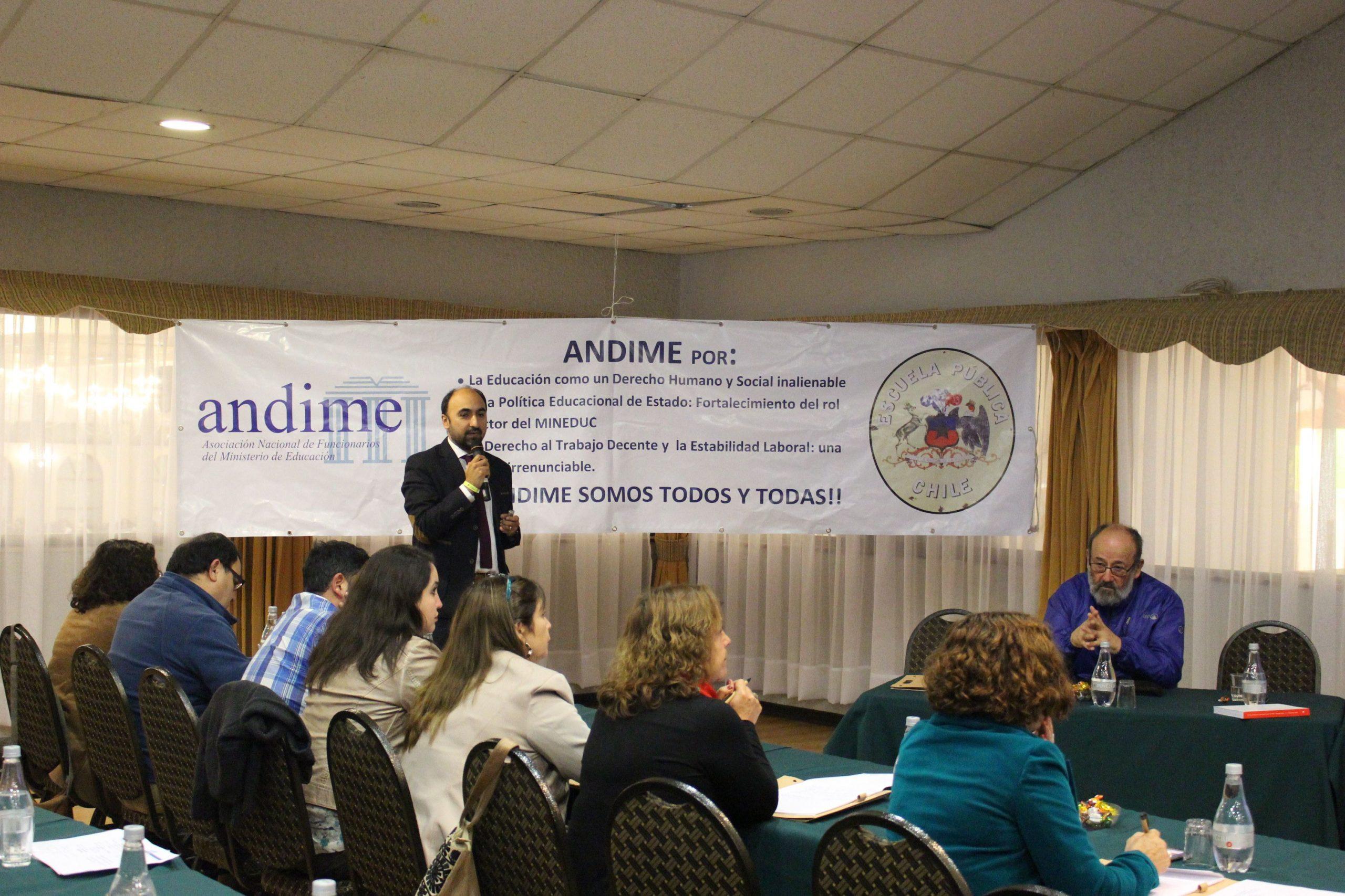 Continúa trabajo de Escuela Sindical con exposición de abogado Daniel Silva y emblemático dirigente Raúl de la Puente
