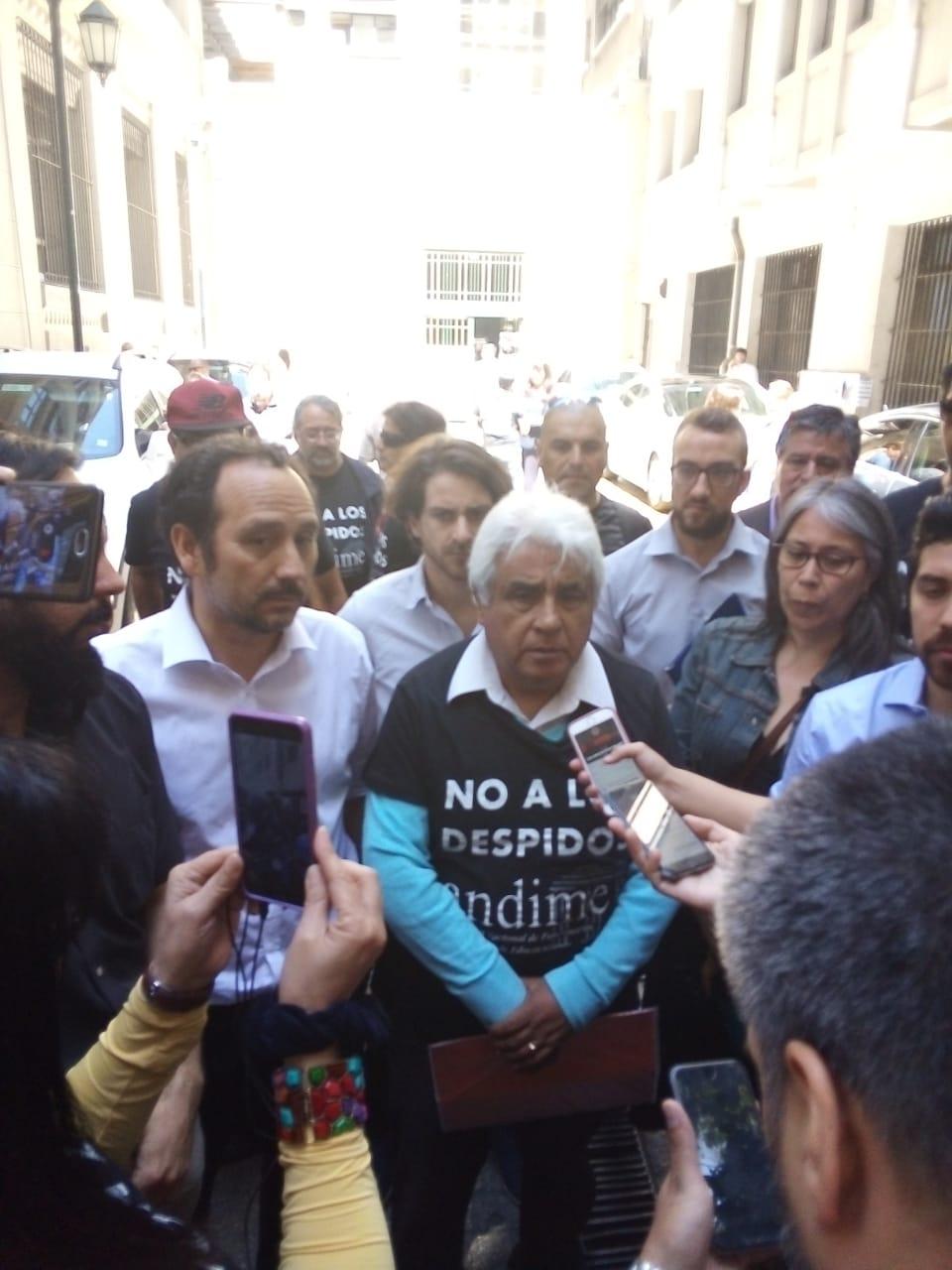 Trabajadores del Ministerio de Educación radicalizan Paro Nacional Indefinido y diputados condicionan aprobación de Reajuste del Sector Público a fin de la ola de despidos