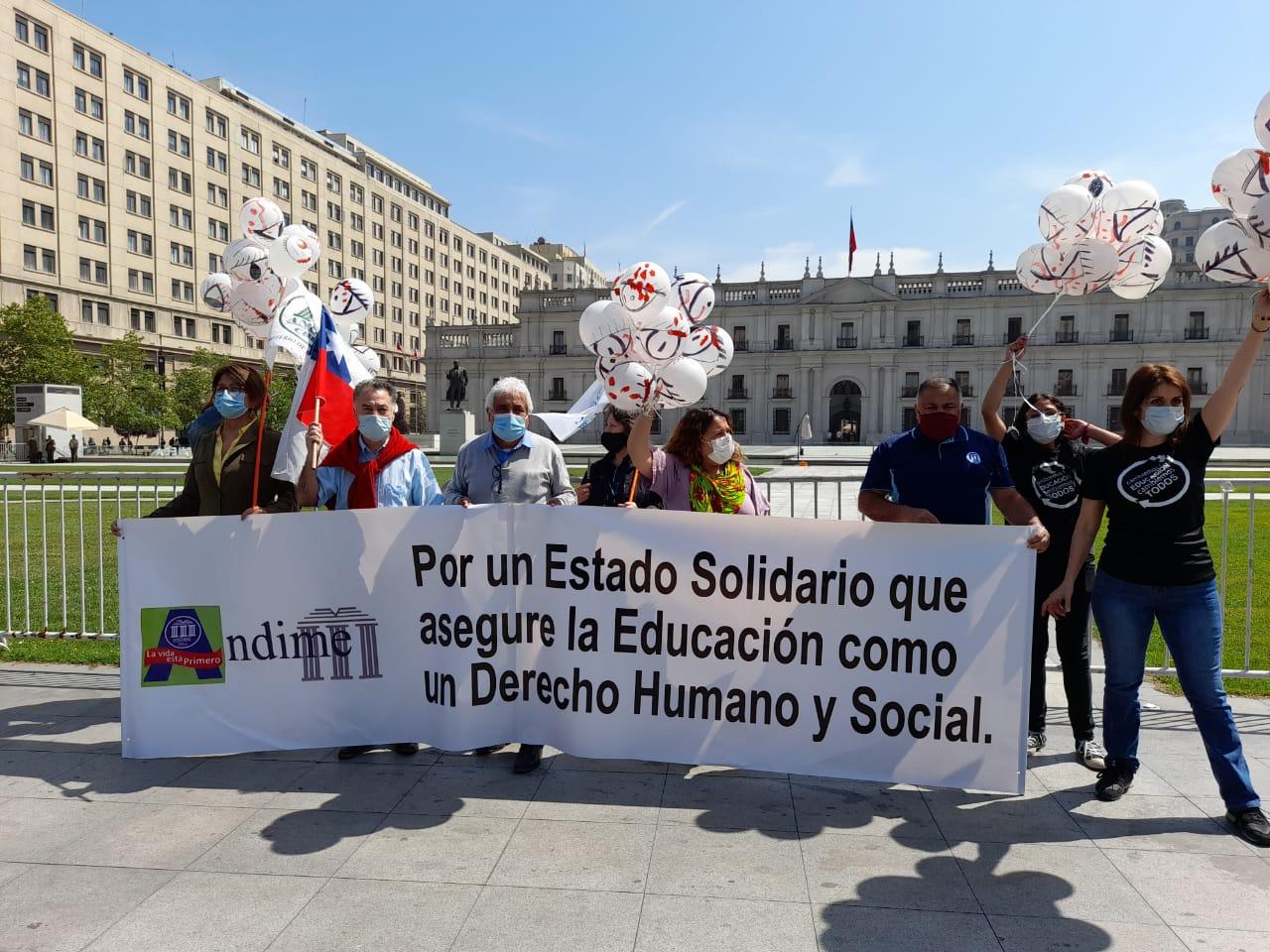 Andime conmemora el 18/O con intervención en La Moneda